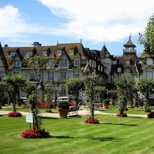 """""""Норманди"""" - самый известный отель Довиля"""